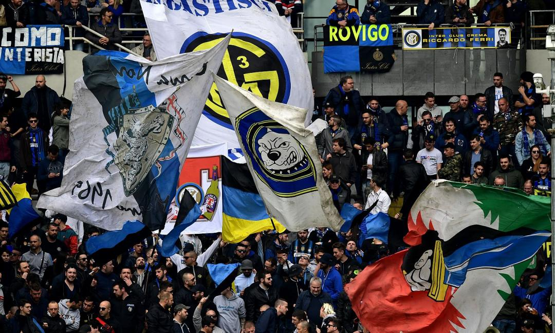 Cori contro Napoli: lo Stadium paga, San Siro insulta impunito