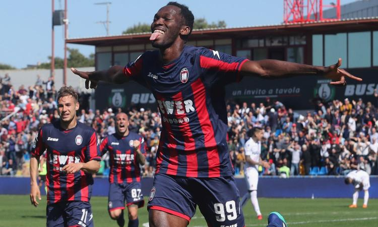Serie A, Crotone a caccia del miracolo: dagli scommettitori fiducia per la vittoria a Napoli