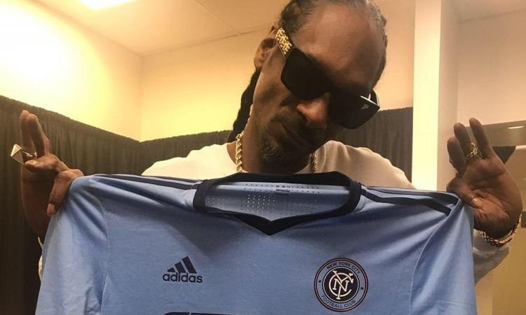 New York, Villa regala la maglia a Snoop Dogg FOTO
