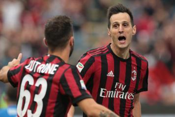 Cutrone Kalinic esultanza abbraccio Milan