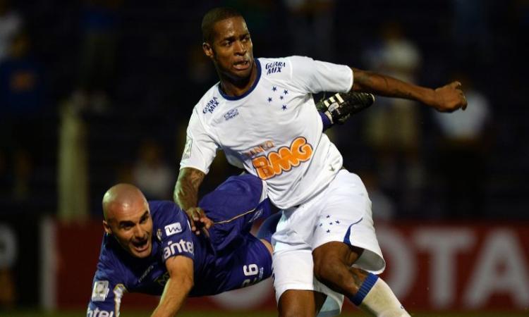 Lazio: un brasiliano per la difesa