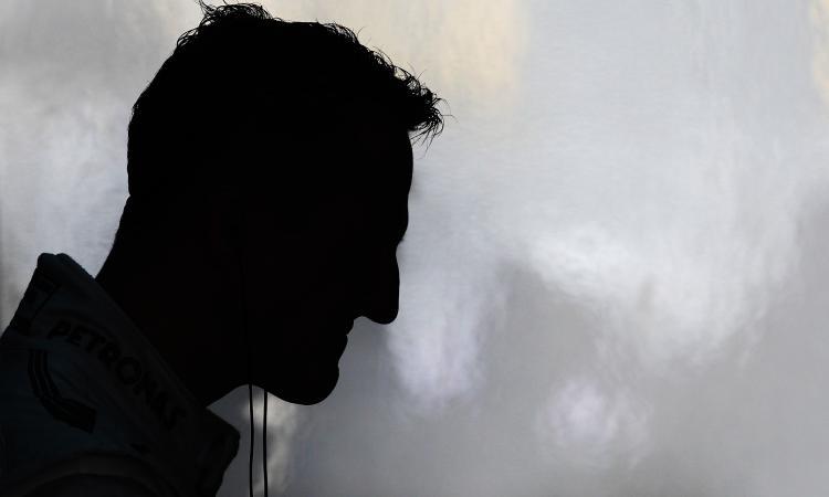 PIT STOP: Michael Schumacher, oggi combatte anche contro gli sciacalli