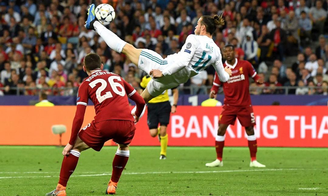 Gli acrobati del calcio: genio e follia
