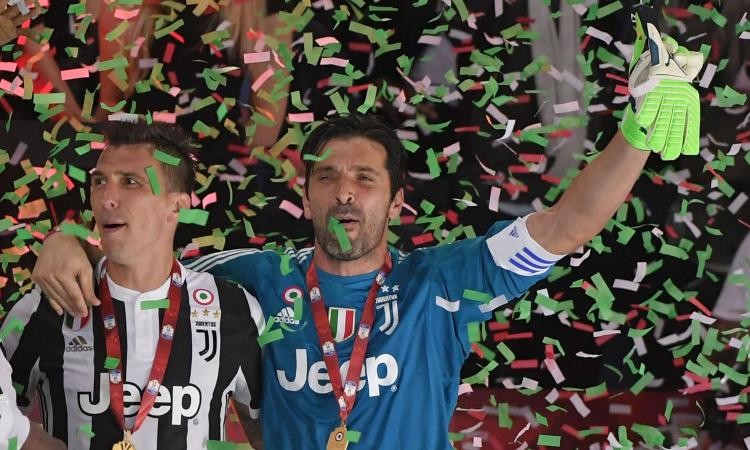 Da Casillas a Del Piero, i colleghi salutano Buffon VIDEO