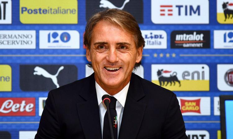Italia, Mancini: 'Dobbiamo mettere in piedi una squadra che possa vincere Europeo e Mondiale'