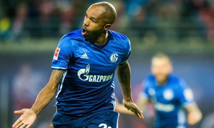 Schalke, UFFICIALE: rinnova Naldo