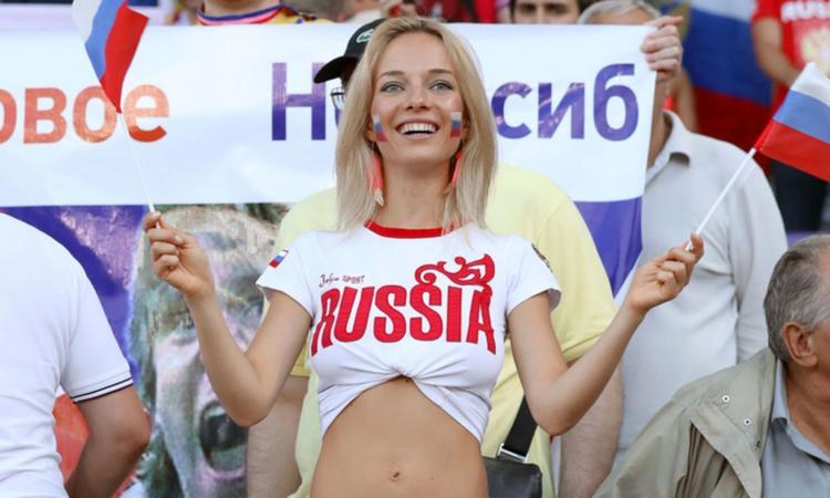 Mondiale in Russia, come sedurre le ragazze del posto: la federazione argentina pubblica un manuale!