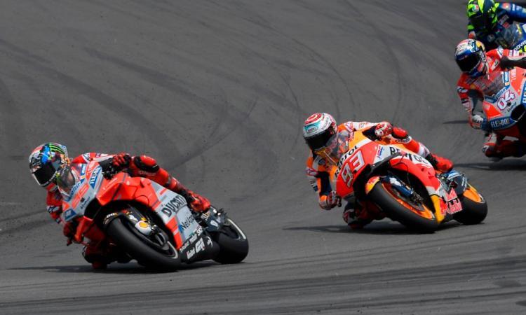 MotoGP Austria: lotta tra leoni, Lorenzo sbrana Marquez! La staccata costa caro a Dovizioso!