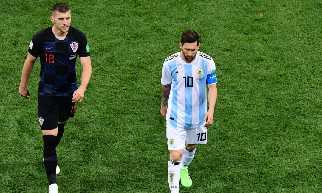 Maradona e Messi, liberate l'Argentina