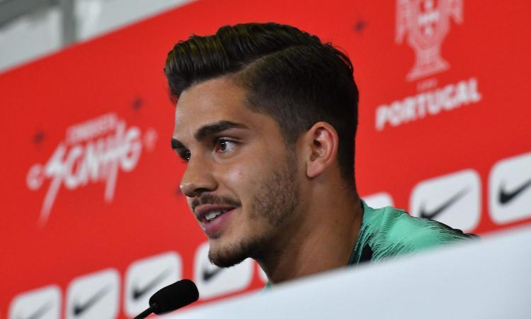 Milan, André Silva offerto al Benfica: le ultime