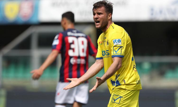 Chievo, Hetemaj o rinnova o va via: due club di A lo vogliono