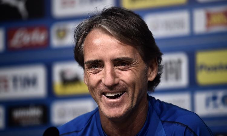 Mancini soccorre anziana investita, il figlio: 'Per fortuna non era ai Mondiali'
