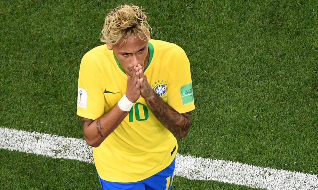 Brasile: si infortuna Neymar