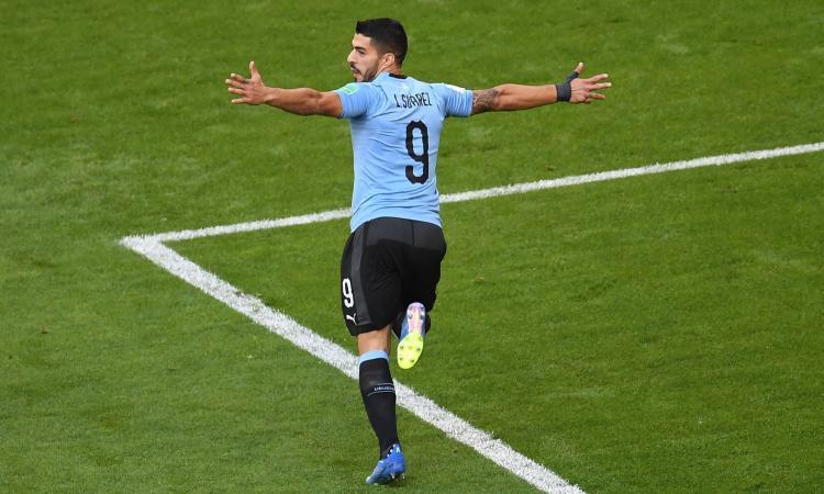Vola l'Uruguay con Suarez e Cavani: tris alla Russia e primo posto