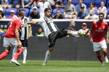 Khedira controllo palla Juve Benfica
