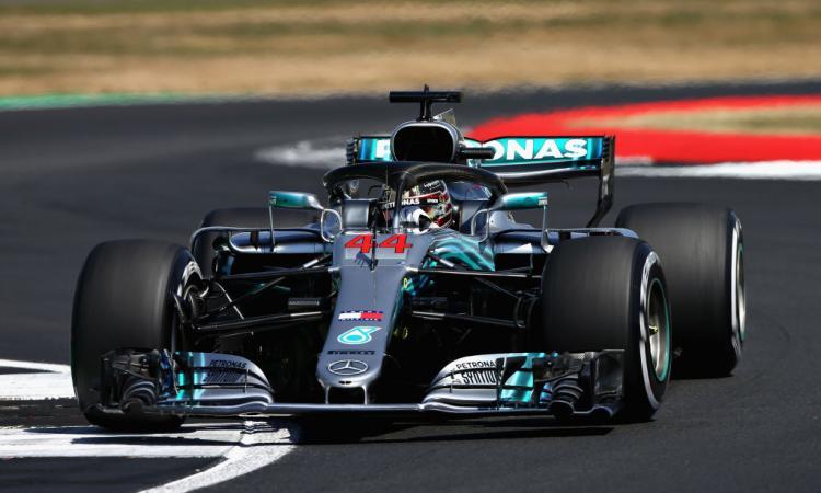 Formula 1, GP Gran Bretagna: Hamilton in pole e nella storia! Vettel beffato per pochi millesimi