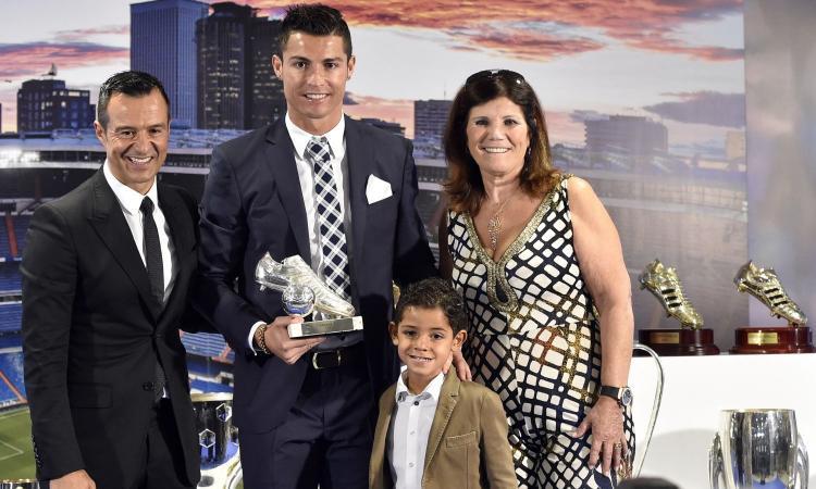Mendes: 'Ronaldo il migliore di sempre. È divino, farà la storia della Juve'