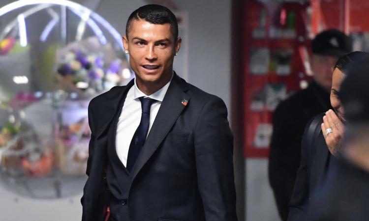 Ronaldo, tutto fa scommessa: battere Higuain vale 4.75, il rosso al debutto...