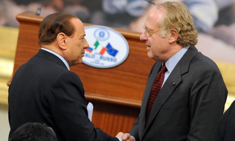 Dal carcere per Tangentopoli al legame con Berlusconi: Milan, chi è Scaroni