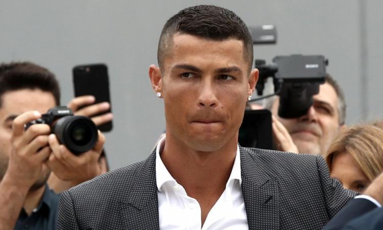 Ronaldo: 'Sognavo la Juve da bambino. Scelta facile, è la più forte d'Italia'