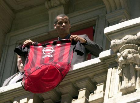 Rivaldo: 'Al Milan grazie a... Van Gaal' VIDEO