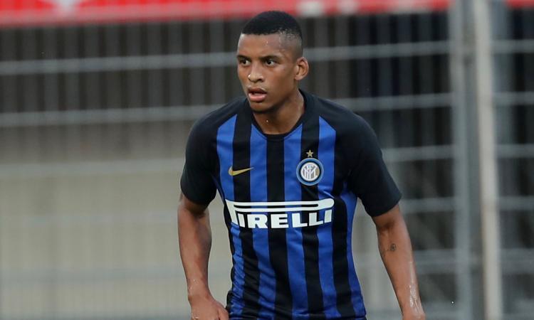 Inter, Dalbert bocciato alla prima: già da accantonare la 'missione recupero'