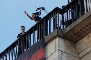 Higuain Caldara terrazza presentazione Milan