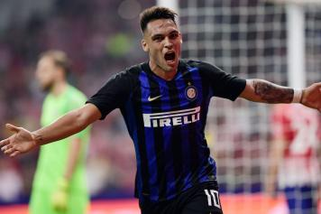 Lautaro Martinez braccia larghe Inter