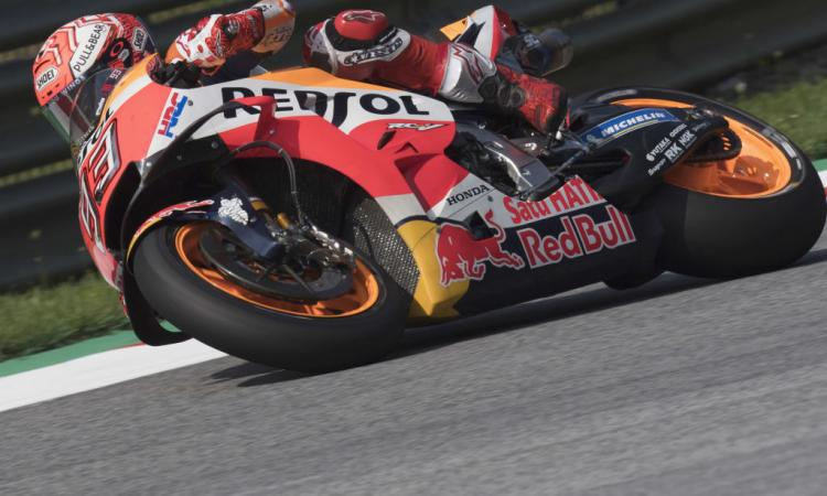 MotoGP Austria: colpo gobbo Marquez! Dovizioso secondo per due soli millesimi! Male Rossi, 14°