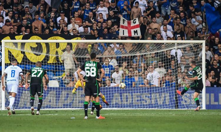 Inter, cattiva la prima: perde 1-0 a Sassuolo, decide Berardi su rigore