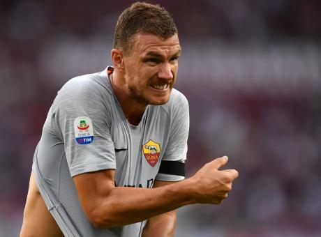 Dzeko aspetta solo l'Inter, la Roma abbassa le pretese: gli aggiornamenti