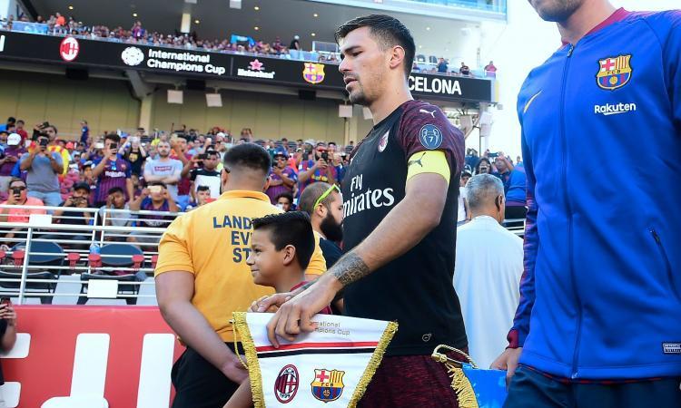 Chelsea, Sarri vuole Romagnoli e Caldara: la posizione del Milan