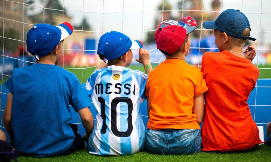 Perché dovrei portare mio figlio a giocare a calcio?