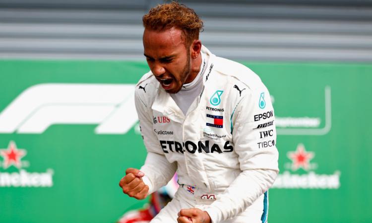 Hamilton pronto a sostituire Schumacher nella storia della Formula 1 VIDEO
