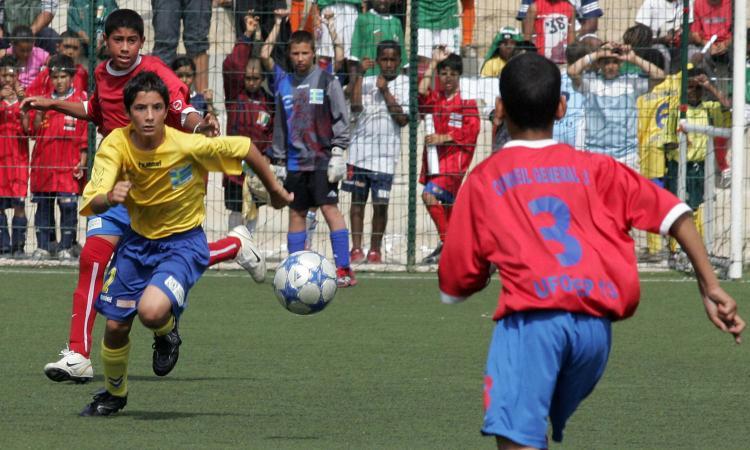 L'accusa: 'Nei settori giovanili vietano i dribbling e cacciano via i veri talenti'