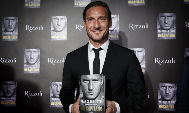 Roma, la biografia di Totti tra i 10 libri più venduti del 2018