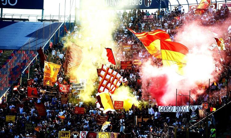 Roma, i tifosi: 'Mercenari, a lavorare. Pallotta pezzo di m...'. Il presidente: 'Disgustato'. Squadra in ritiro punitivo