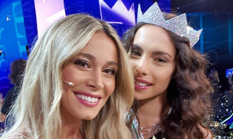 Diletta Leotta incorona Carlotta, la nuova Miss Italia FOTO e VIDEO