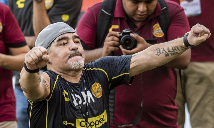 Maradona si presenta ai Dorados: 'Non sono venuto in vacanza, errori del passato per colpa mia' VIDEO