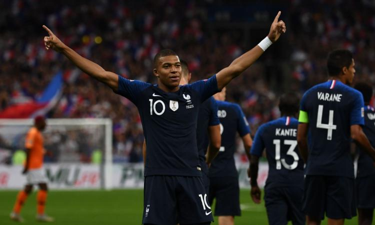 Mbappè e Giroud annientano una buona Olanda: la Francia vince 2-1, è 1°