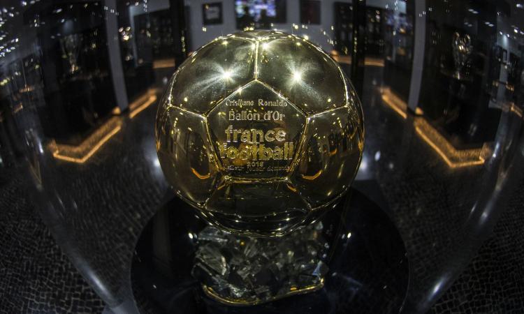 Il Pallone d'oro cambia ancora pelle: premi anche alla migliore calciatrice dell'anno e al miglior Under 21