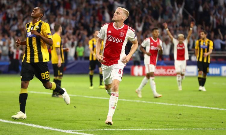 Ajax, van de Beek: 'De Jong? Spero sia in ottima forma per la Juve'