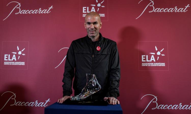 Zidane: 'Presto torno ad allenare'. Futuro diviso tra Manchester United, Juve e Francia: il punto