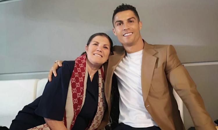 Juve, la madre di Ronaldo: 'Siamo con te, andrà tutto bene' FOTO