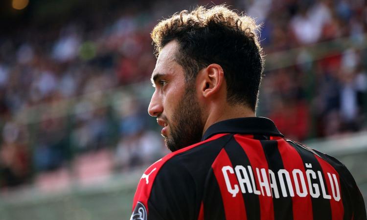 Milan, verso il derby: dubbio Calabria, fiducia a Calhanoglu nel tridente