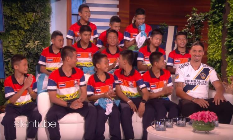 Momenti Di Gioia: Ibra, che sorpresa ai 'cinghialotti' thailandesi sopravvissuti!