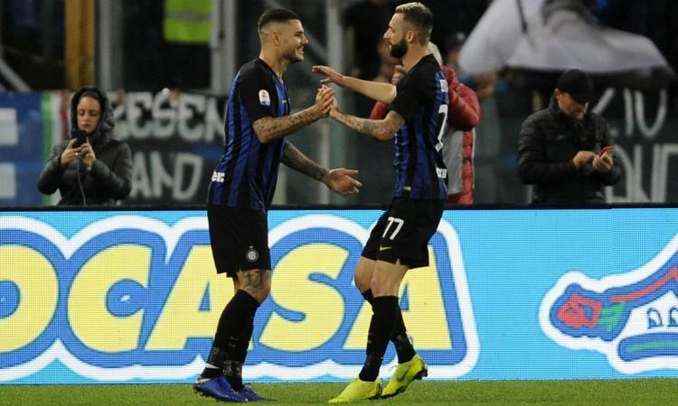 Inter, like galeotti di Brozovic alla notizia della fascia tolta a Icardi FOTO