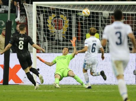 Barcellona: occhi sulla stella dell'Eintracht
