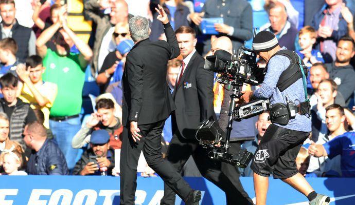 Il ritorno di Mou allo Stamford Bridge, tra sfottò e rissa