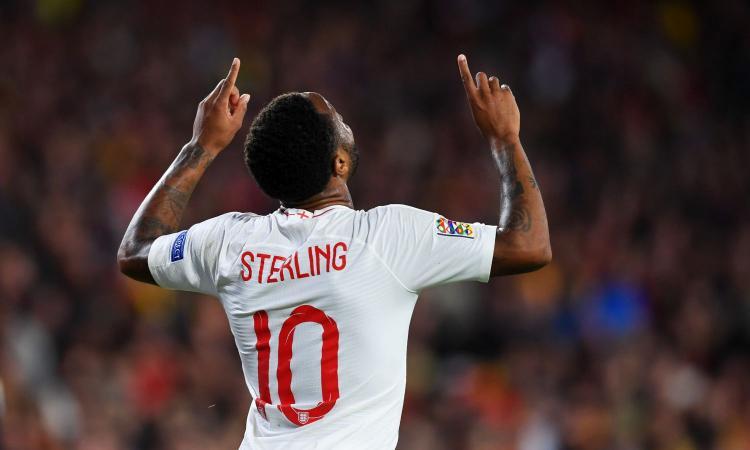 Sterling: 'Messi e CR7 fuoriclasse da una vita' VIDEO